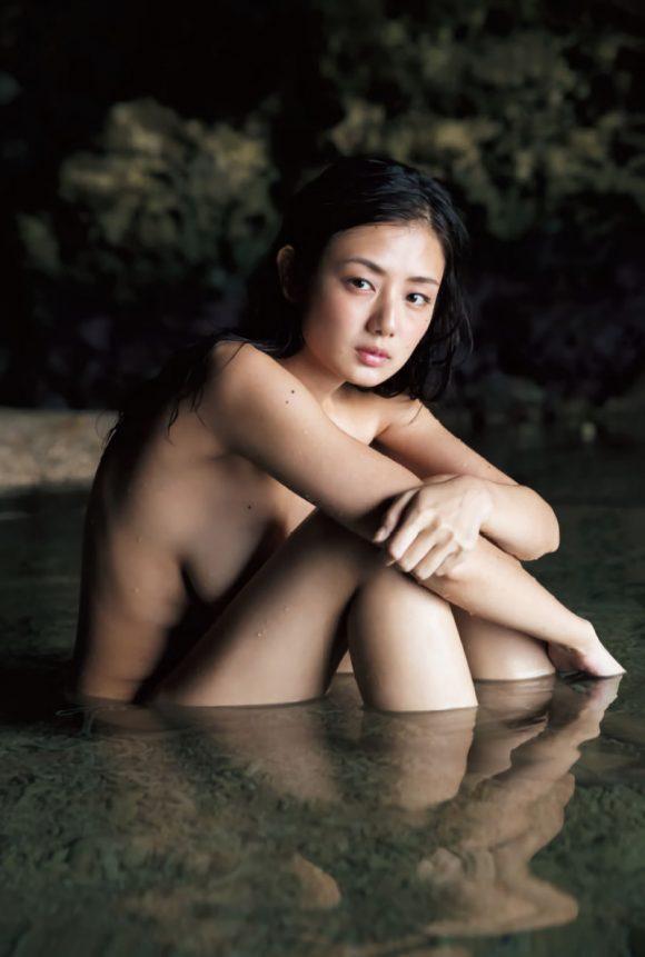 katayamamoemi-kyonyubijin-13