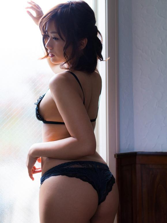 yasuedahitomi-kyonyubijin20164-7