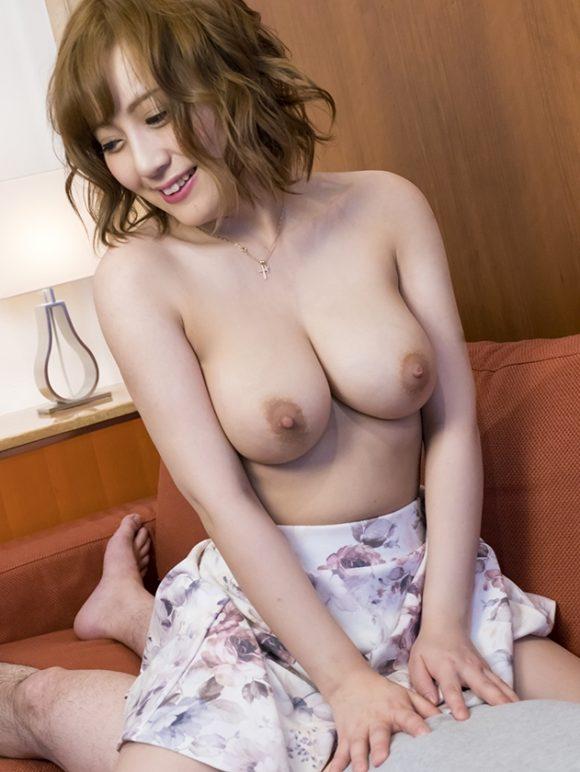 rika-kyonyubijin90-49
