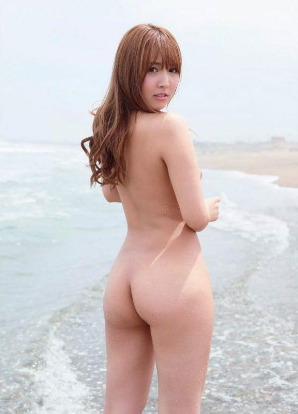 三上悠亜(元SKE48鬼頭桃菜)の最新グラビア画像11