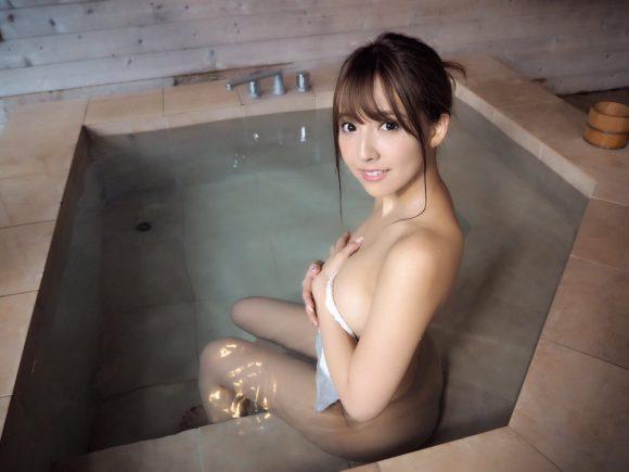 三上悠亜(元SKE48鬼頭桃菜)の最新グラビア画像28