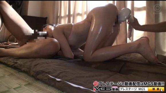 momokaseifuku-kyonyubijin9875-5