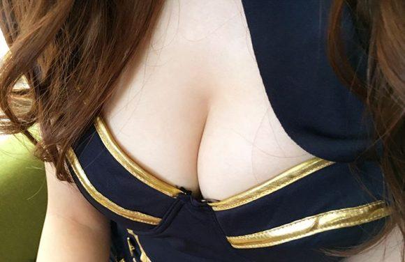 愛音まりあ Eカップ!アイドル級美少女の生着替えニコニコ動画の画像21