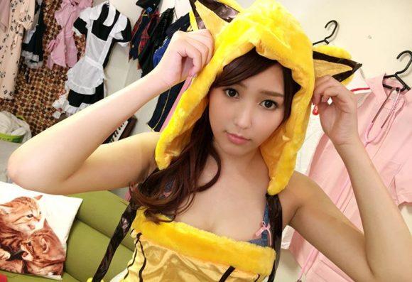 愛音まりあ Eカップ!アイドル級美少女の生着替えニコニコ動画の画像18