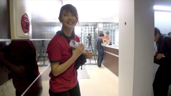 SOD女子社員 制作部 入社1年目 AD 佐藤カレンを密着取材すると少しエロい映像が撮れました15