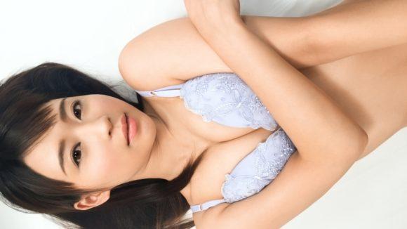 心花(ここな)ゆら 18歳Dカップ! 黒髪美少女の初撮り4