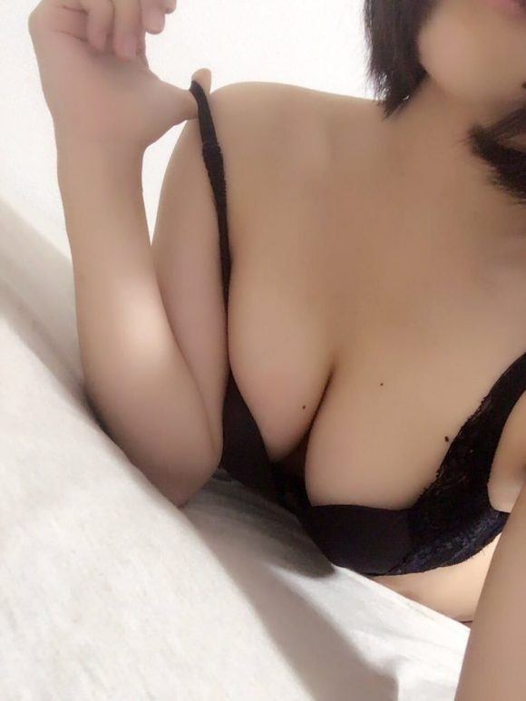 香山亜衣 AVデビュー! Dカップ2