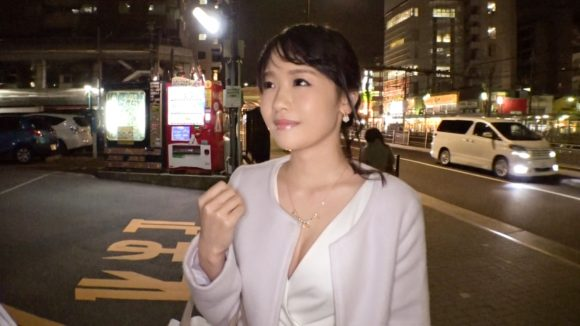 大橋さん 大橋ゆきな29歳 旦那の愛を欲する奥様 街行くセレブ人妻をナンパしてAV自宅撮影2