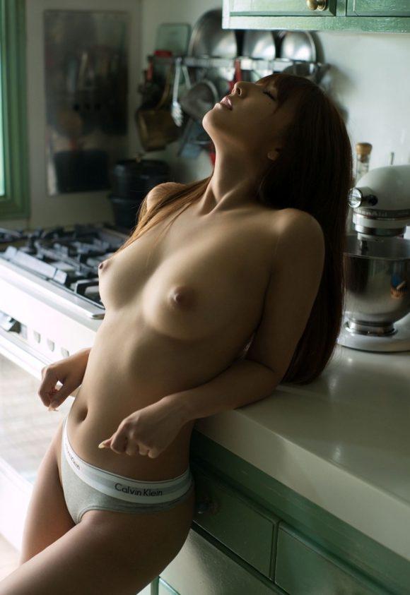 三上悠亜 元アイドルのヌード画像19
