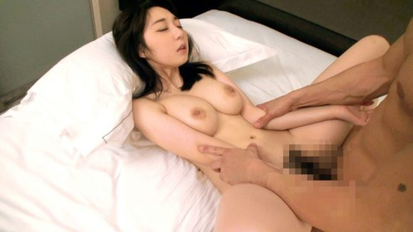 松浦理央 Hカップ! ぷるんぷるんのマシュマロ巨乳14