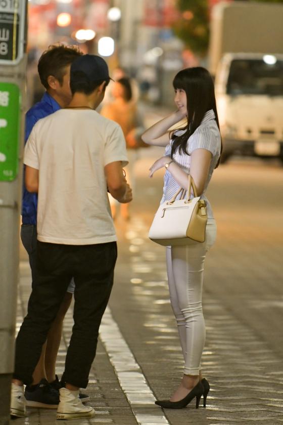 星咲伶美 Dカップ! 街行くセレブ人妻ナンパ さとみさん 28歳 専業主婦3