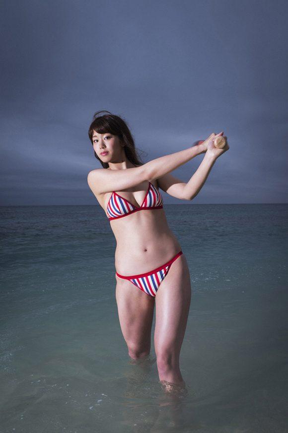 稲村亜美 21歳Fカップ! 最初で最後の水着写真集! '17セクシーグラビアまとめ神スイング39