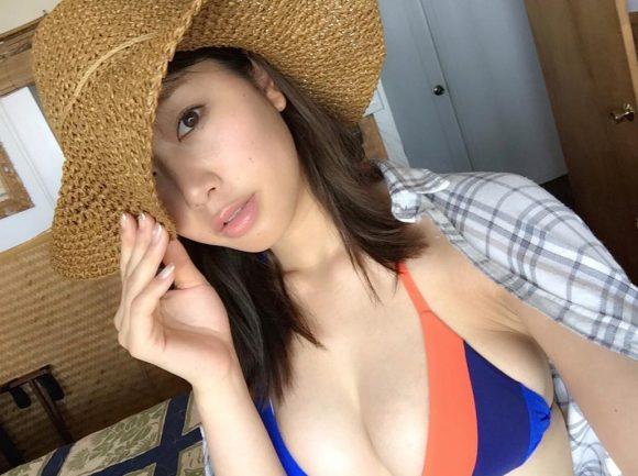 稲村亜美 21歳Fカップ! 最初で最後の水着写真集! '17セクシーグラビアまとめ神スイング38