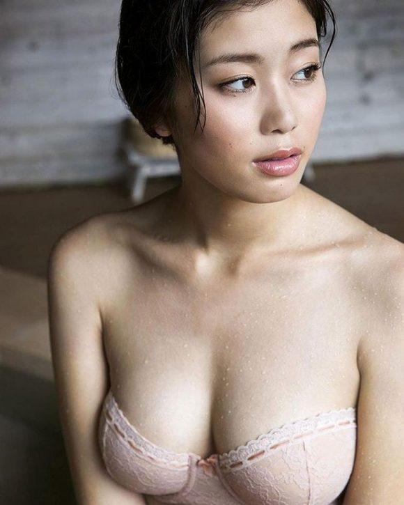 稲村亜美 21歳Fカップ! 最初で最後の水着写真集! '17セクシーグラビアまとめ神スイング73