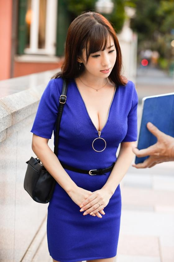 鈴木さん 28歳 Gカップ! 押しに弱い巨乳奥様 街行くセレブ人妻ナンパ3