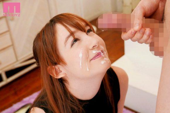 ルロア・クララ Bカップ! 色白ピンク乳首! スレンダー美尻15