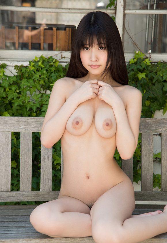 桜空ももの美巨乳画像1