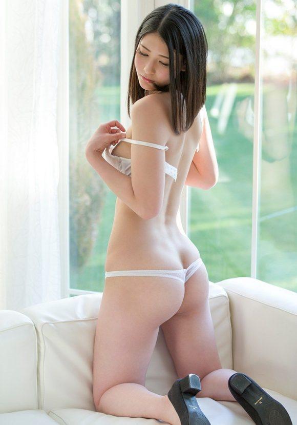 本庄鈴 Cカップ美巨乳11