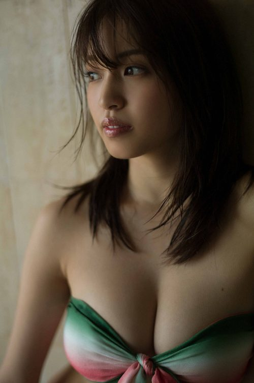 MIYUの巨乳おっぱい画像の44