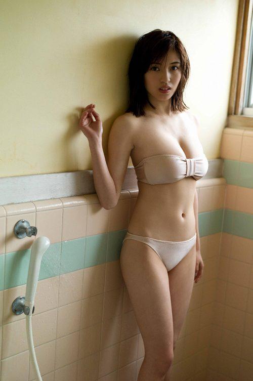 MIYUの巨乳おっぱい画像の96