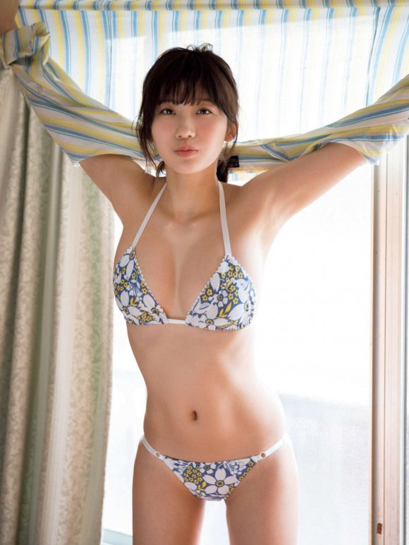 小倉優香の巨乳おっぱい画像13