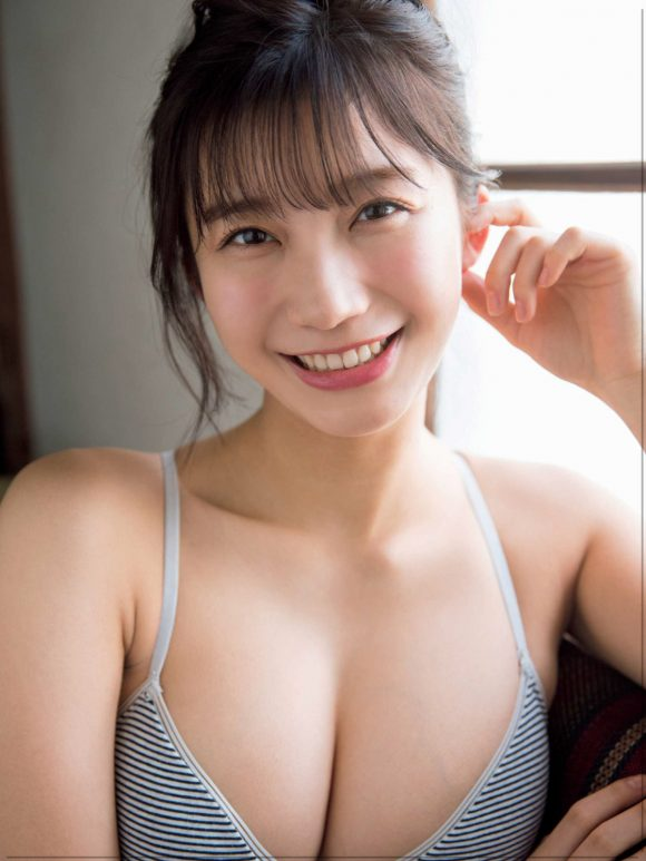 小倉優香の巨乳おっぱい画像12