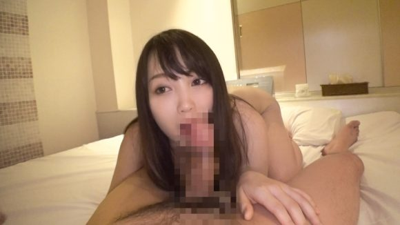 桐谷なおのムチムチした巨乳画像5
