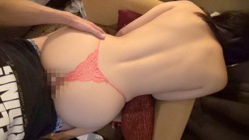 真奈りおなの美尻と巨乳画像 12