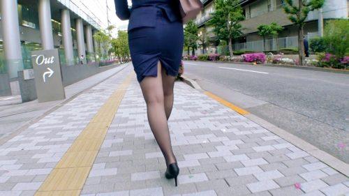 藤白桃羽(武田真)の豊満ボディの画像-3