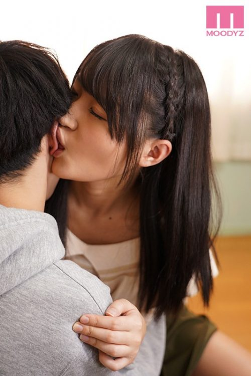 加賀美まりのスレンダーボディ画像-35