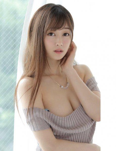 土屋美桜の美人フェイスと美乳の画像68