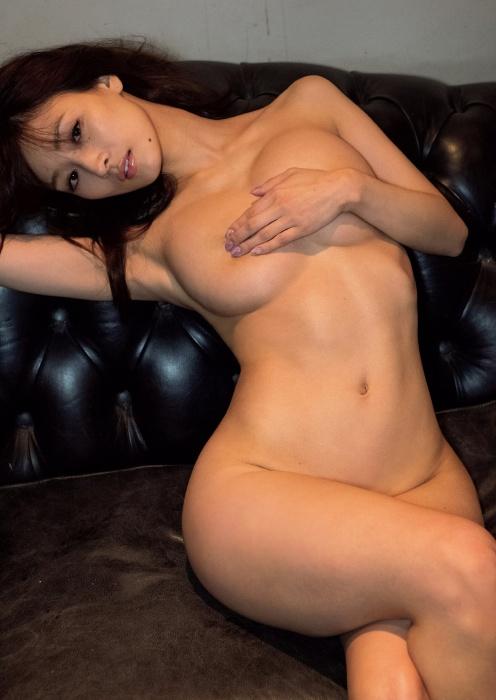 フミカの美巨乳とデカ美尻の画像11
