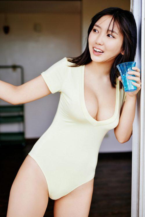 沢口愛華の爆乳おっぱいの画像14