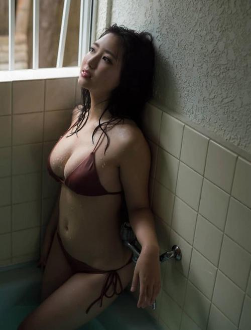 沢口愛華の爆乳おっぱいの画像91