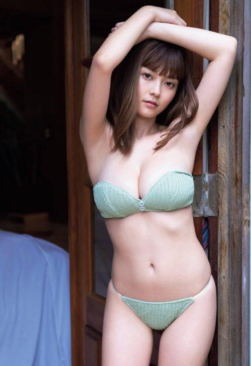 櫻井音乃の形が綺麗で色白の巨乳おっぱいのグラビア画像2
