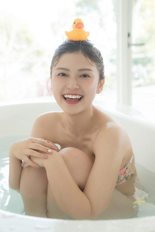櫻井音乃の柔らかい色白爆乳おっぱいの画像21