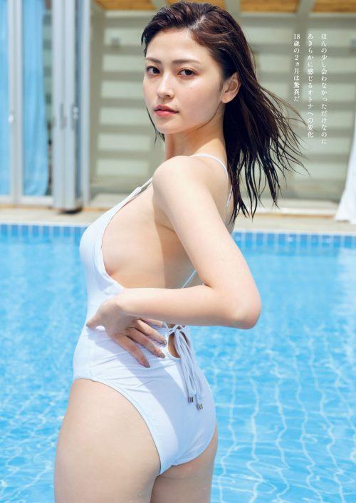 櫻井音乃の柔らかい色白爆乳おっぱいの画像3