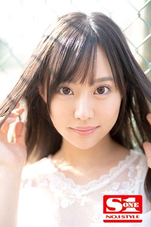 広瀬蓮のかわいいおっぱい画像2