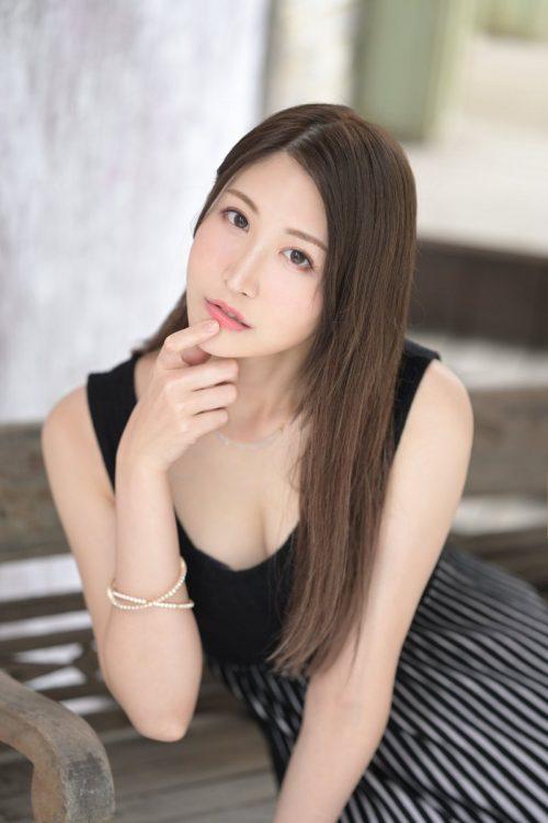 神菜美まいの女子アナ級に綺麗な顔の画像16