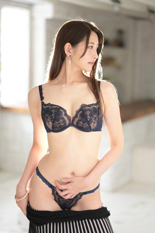 神菜美まいの女子アナ級に綺麗な顔の画像22