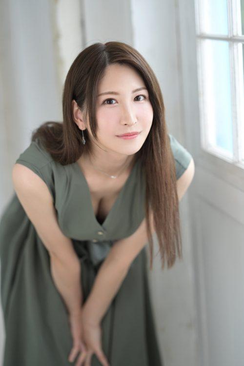 神菜美まいの女子アナ級に綺麗な顔の画像24