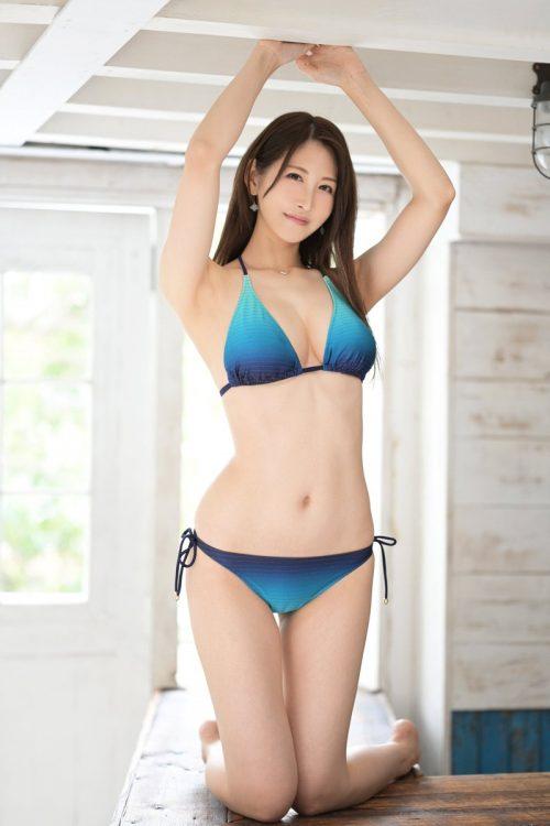 神菜美まいの女子アナ級に綺麗な顔の画像30