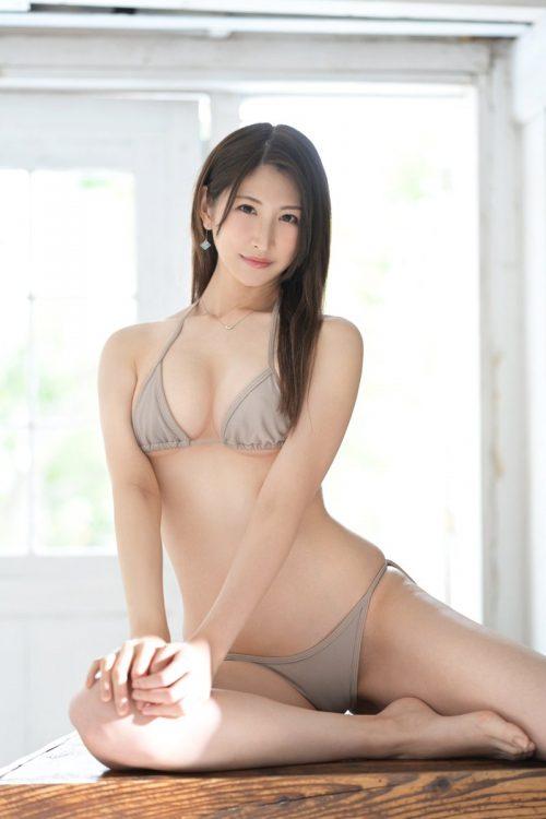 神菜美まいの女子アナ級に綺麗な顔の画像33