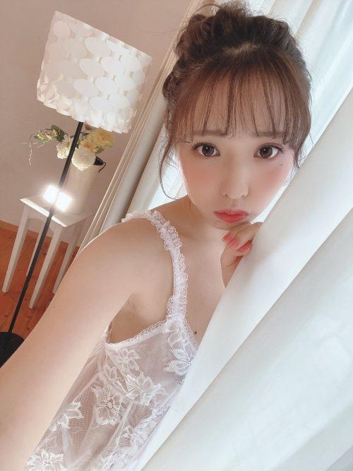 白桃はなの可愛い顔とスレンダー美ボディの画像52