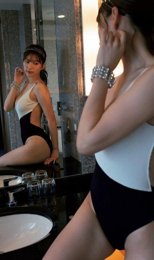 雪平莉左の巨乳おっぱいと細くくびれたウエストと大きくてボリュームのある美しいお尻のグラビア画像49